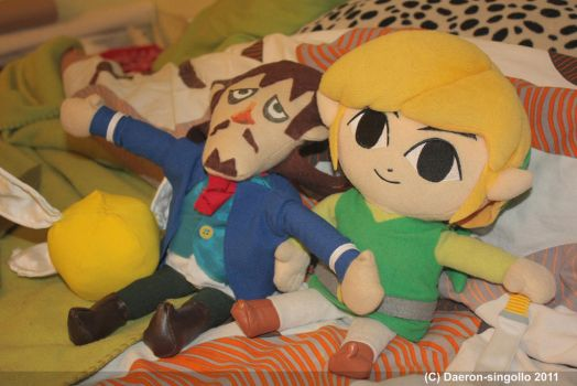 Phantom Hourglass - Link and Linebeck plushies by Daeron-Singollo