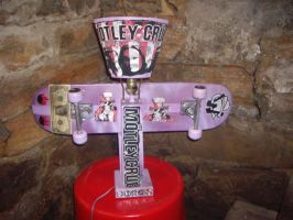 skateboard rock and roll lamp by Buhla