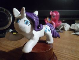 Rarity statuette painted by McMesser