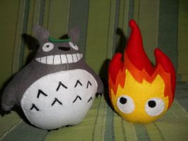 Totoro and Calcifer by sevichan