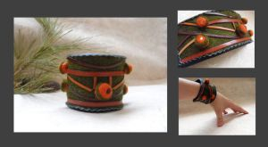 Wool and leather bracelet by julishland