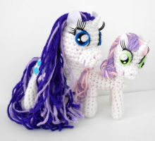 Rarity and Sweetie Belle Amigurumi Plushies by MadameWario
