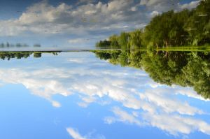 Reflect the sky by ~Liarbriarpantsonfiar