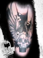 Tattoo on my own upper leg by Criticlown