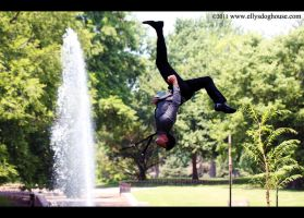 Freerunner - Gymnast Wedding: Flash Kick by ellysdoghouse
