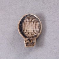 Hot air balloon brooch by skuggsida