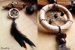 Dreamcatcher pendant with black feathers by SuvetarsWell
