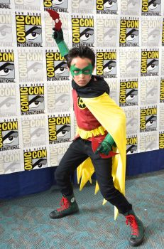 Jakey as Damian Wayne at SDCC '13 by FloresFabrications