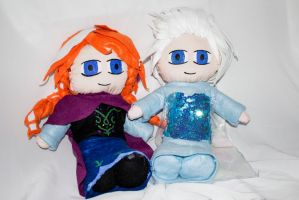 Anna and elsa plush frozen by lilkimmi27