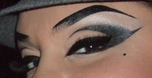 THESE CHOLAS EYES by luckyhellcat