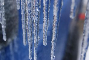 icicles by Palonaristin