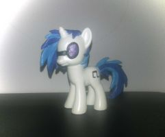 Vinyl Scratch Custom by Xaphriel