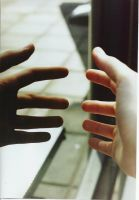 hands_reachin_out by Carito