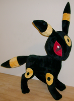 Umbreon Plushie by saiyamewome