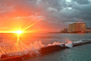 Sunset Over Waikiki by RunLikeATortus