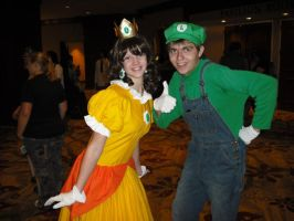 Kumoricon 2009:Luigi and Daisy by Red-Supernova64