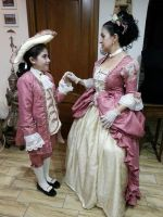 Mum e Child in Baroque clothes by BottegadelCostume