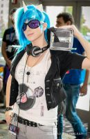 DJ Smackdown - Vinyl Scratch by XenPhotos