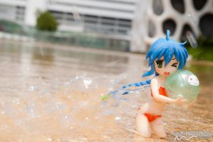 Konata - Fun with Water by nutcase23
