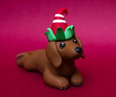 Christmas Dachshund dog sculpture by SculpyPups