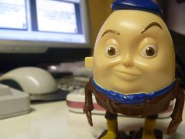 Humpty Dumpty Chilling On My Table by MissSweeda