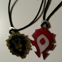 Horde and Alliance charms by Magnexx