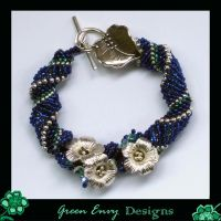 koisuru sakura - bracelet by green-envy-designs
