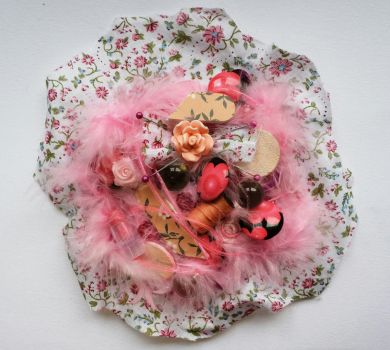 Pink flower brooch by queenofexecutions