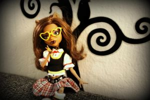 Nerd out Clawdeen by Catzilerella