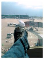 Waiting For Plane by flohannes