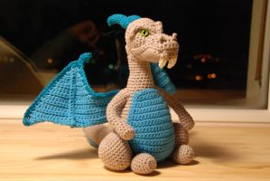 Crochet : customized Charizard by Ahookamigurumi