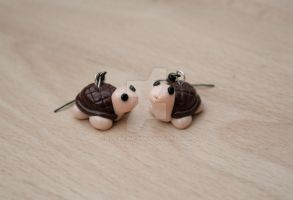 tortoise earrings by elainewhy