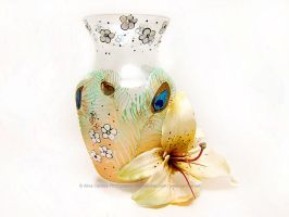 Peacock flower vase by cardiae