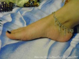 Miss's Pretty Foot with Anklet by SelfshotYourFeet
