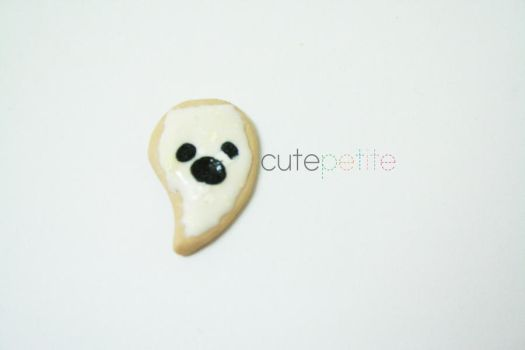 Ghost cookie by CutePetite