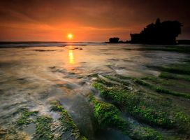tanah lot by a2udoank