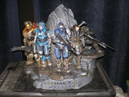 Noble Team Statue by SketchyBehavior
