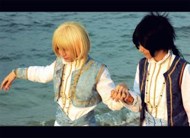 Trinity Blood - Walking on the beach by Himeyu