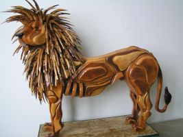 The Majestic Lion by Thomas-Carvings