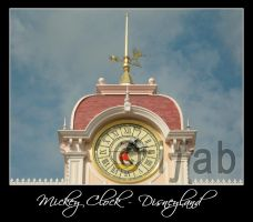 Mickey Clock - Disneyland by iFab