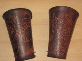 Carved bracer by akinra-workshop