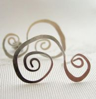 Silver Scroll.  Earrings by contrariwise