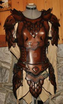 women leather armor armure cuir femme by Lagueuse