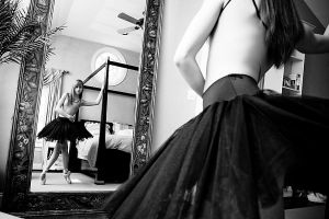 Dancer in the Mirror by HowNowVihao