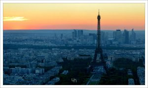Sunset over Paris by hmdll