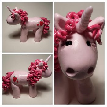 Strawberry the unicorn by polymerpets