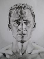 Tom Hiddleston by tofu0004