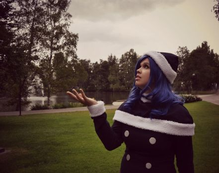 Is it raining? / Juvia - Fairy Tail by destinette