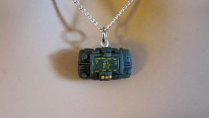 Pipboy 3000 Necklace 1 by egyptianruin