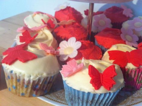 Cupcakes 2 by victoria33